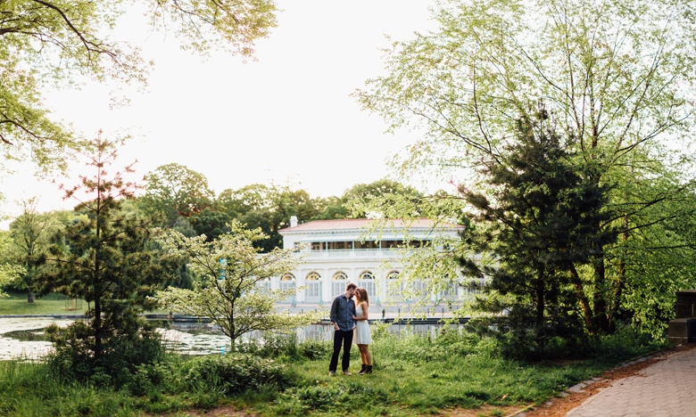 brooklyn engagement photographer prosepect park boathouse