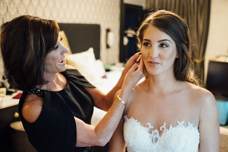 brique chicago wedding bride groom getting ready
